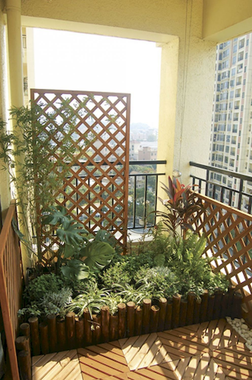 8 Affordable Cozy Apartment Balcony Decorating Ideas | Balcony ...