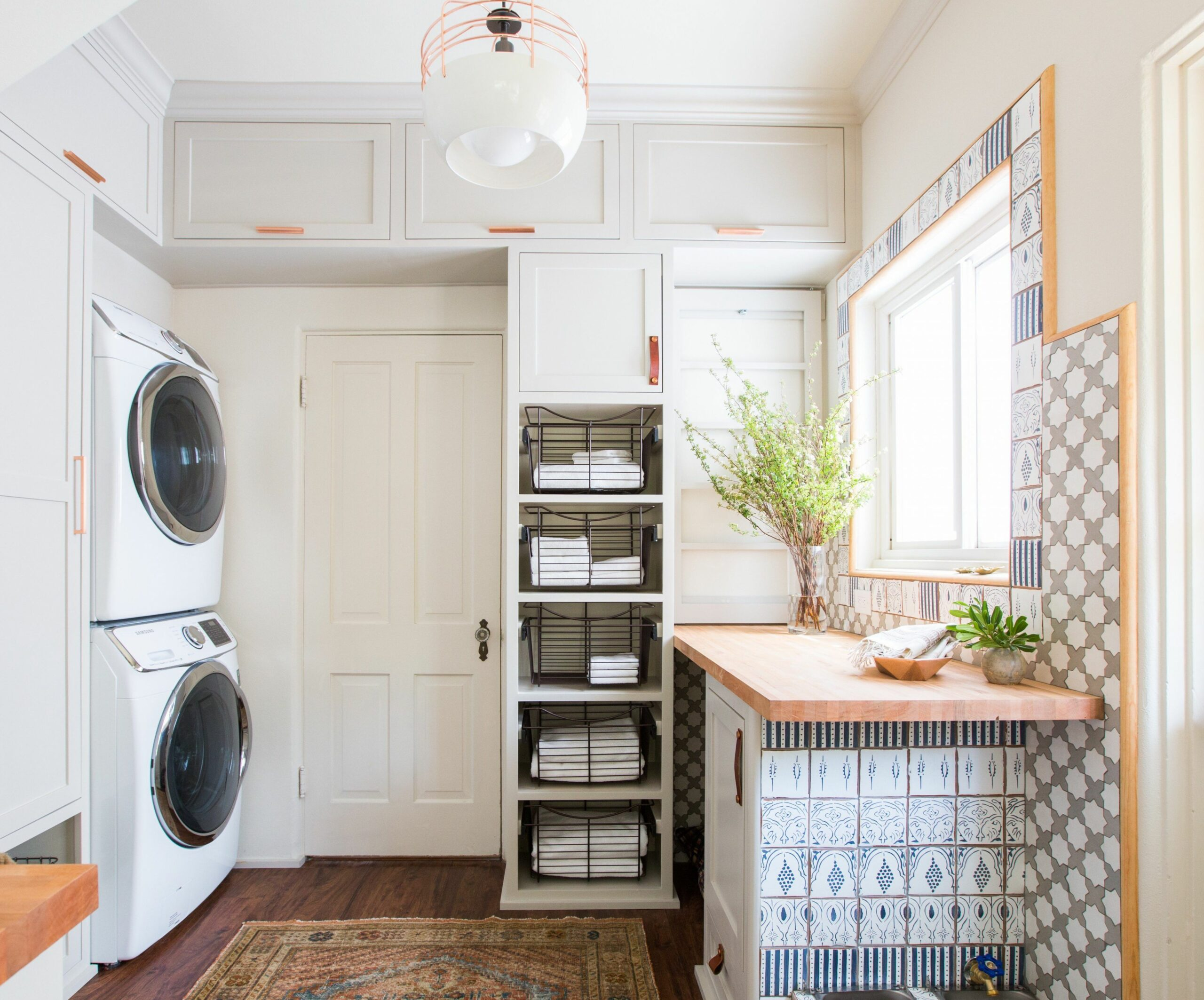 8 Best Laundry Rooms - Lovely & Functional Laundry Room Ideas