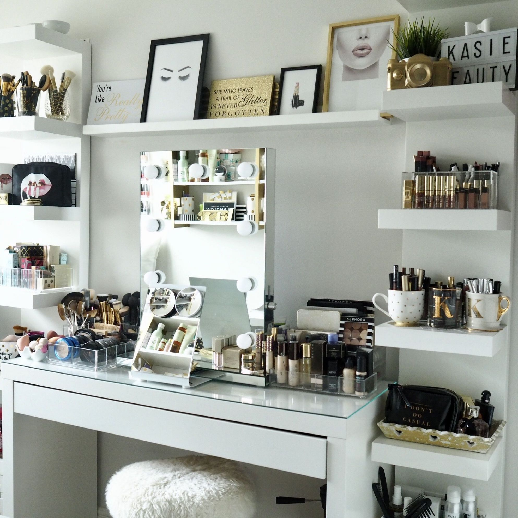 8+ DIY Makeup Room Ideas, Organizer, Storage and Decorating ..