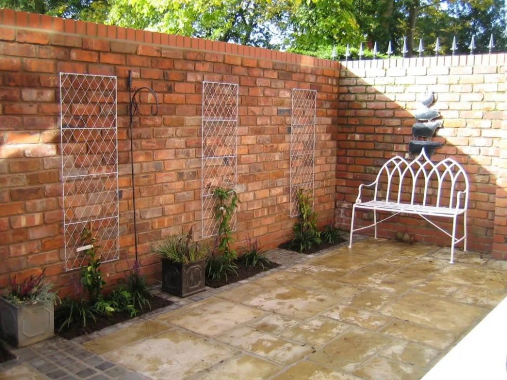 8 Garden Wall Ideas That Will Create a Blissful Outdoor Oasis ..