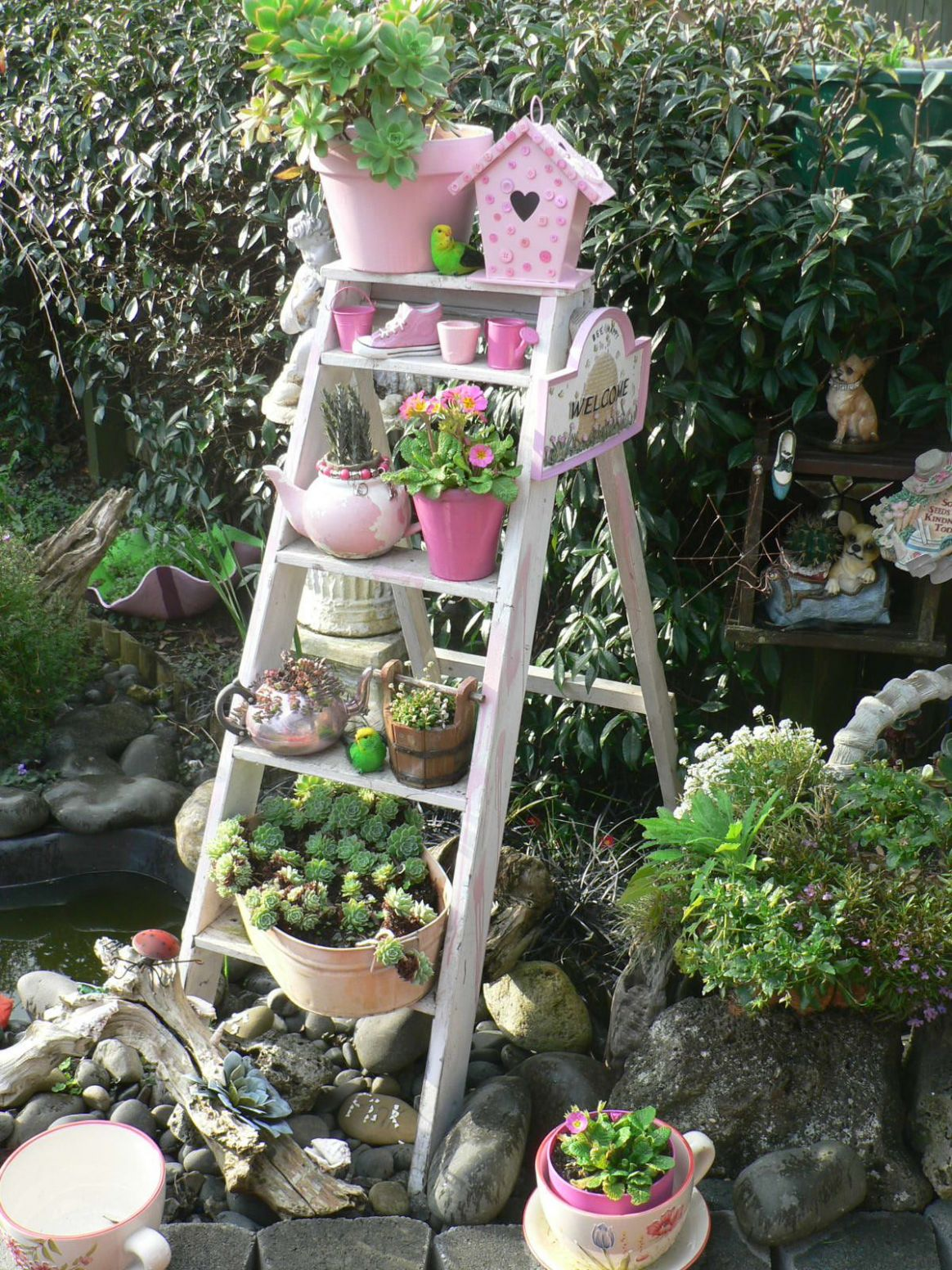8+ Impressive Ideas to Make Wooden Ladder Garden | Garden ladder ..