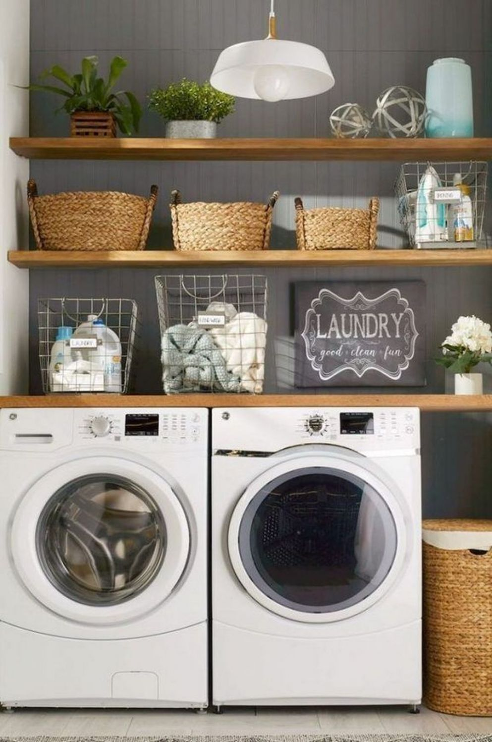 8 Minimalist Small Laundry Room Design And Decor Ideas (avec ..
