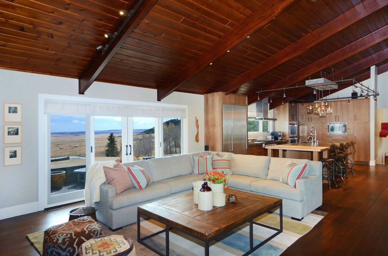 8 Ranch-Style Homes With Modern Interior Style - living room ideas ranch home