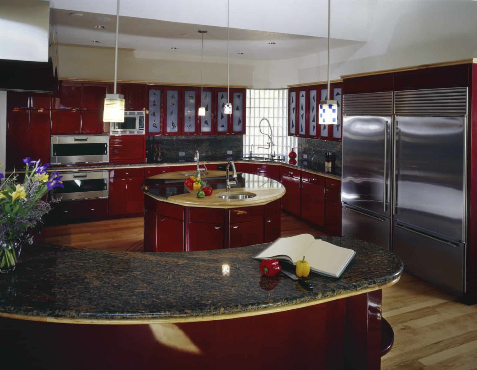 8 Red Kitchen Ideas with Red Cabinets (8 Photos)
