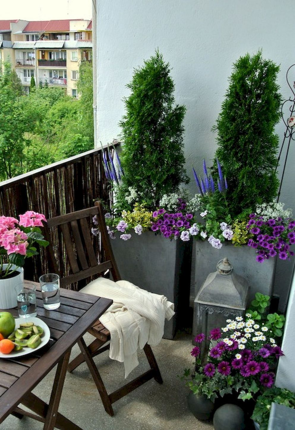 8 Small Apartment Balcony Decorating Ideas on A Budget (With ...