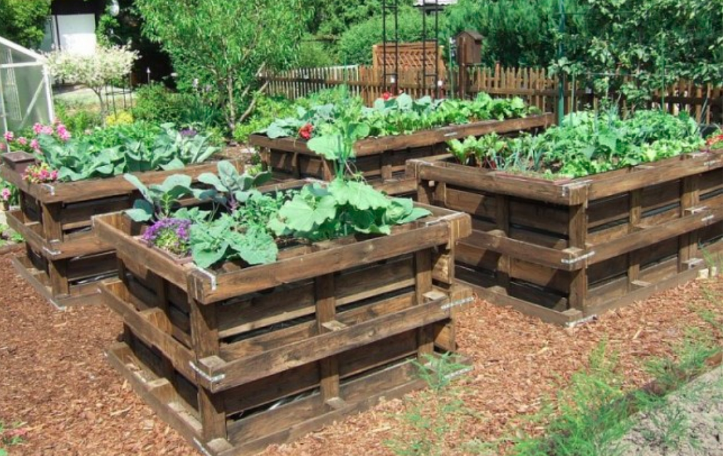 8 Wood Pallet Ideas for the Garden - garden ideas with pallets