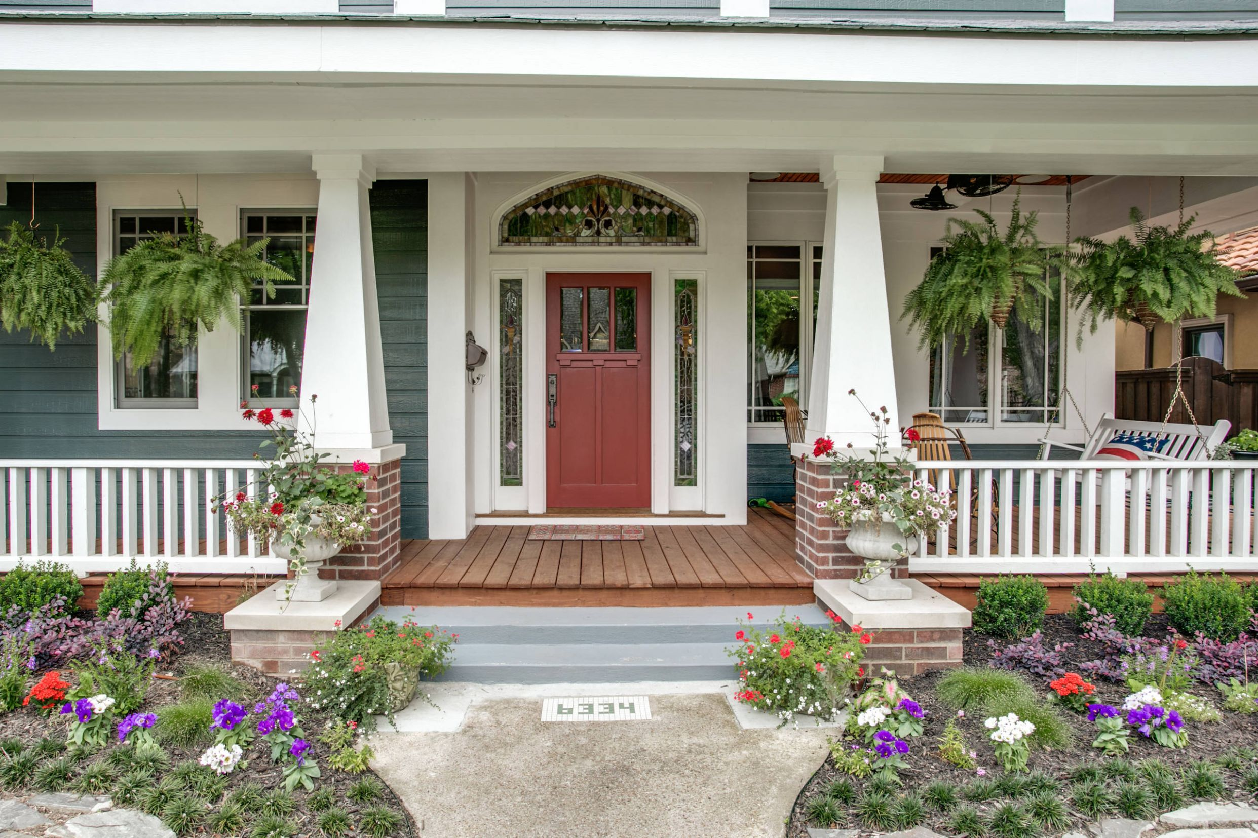 9 Beautiful Craftsman Front Porch Pictures & Ideas | Houzz