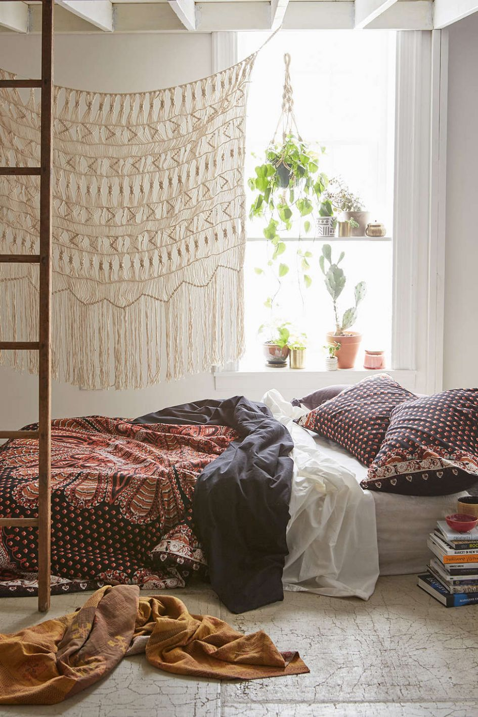 9 Bohemian Bedrooms To Fashion Your Eclectic Tastes After