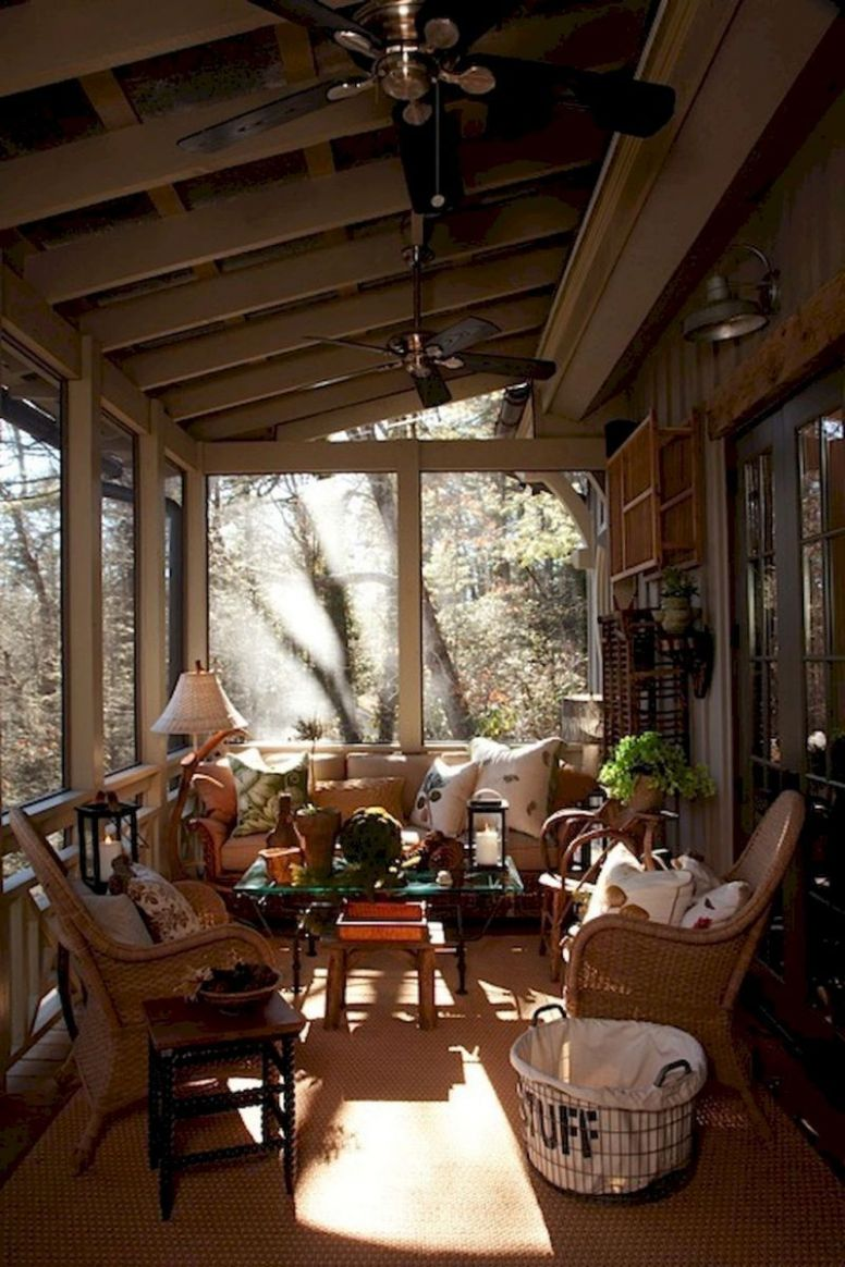 9 cozy farmhouse sunroom decor ideas | Sunroom decorating, Porch ..