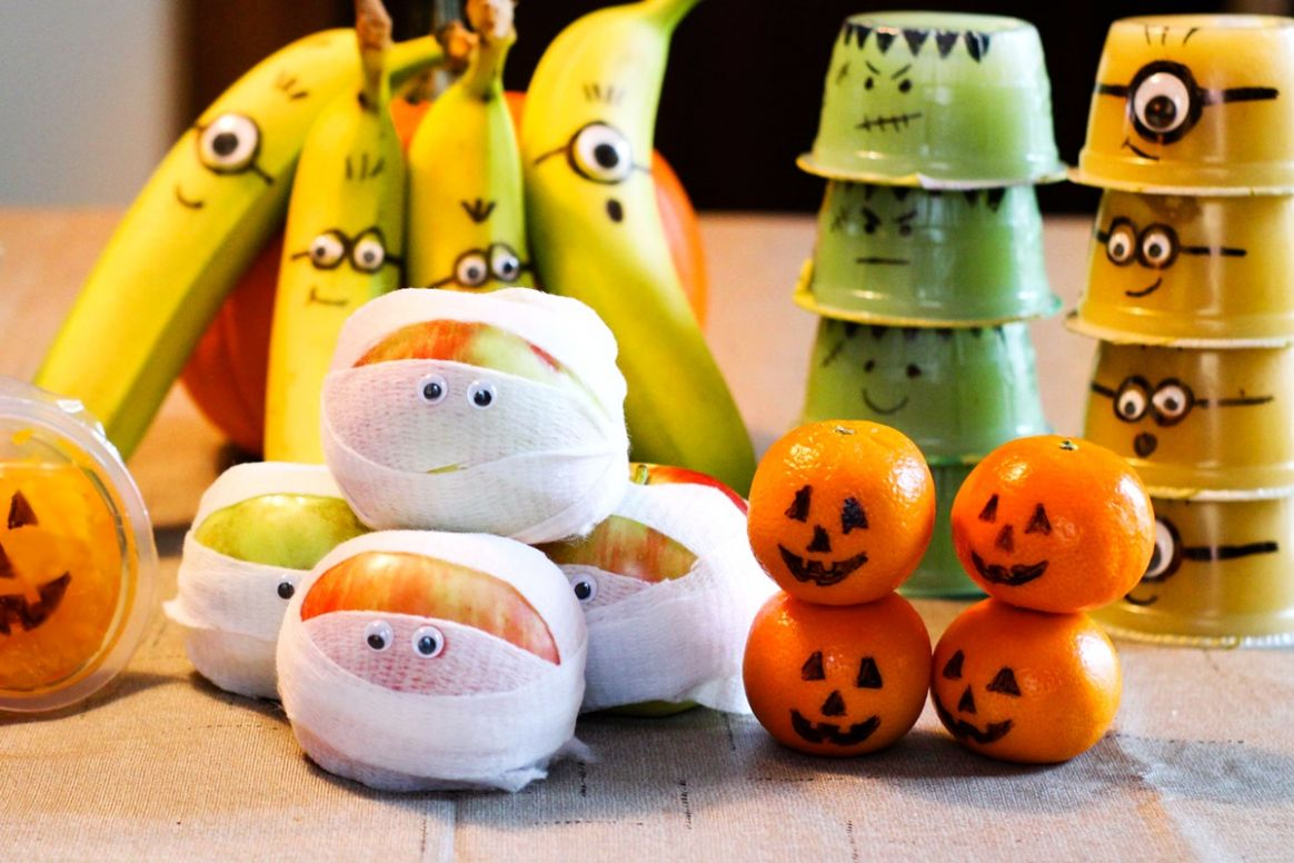 9 Fun Healthy Fruit Halloween Snacks You Can Pack (Crafty with Kids!)
