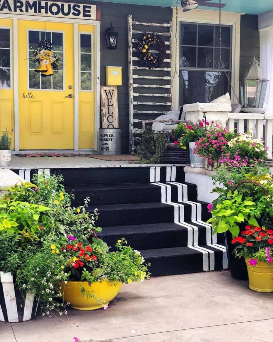 9 Gorgeous And Inviting Farmhouse Style Porch Decorating Ideas - yellow front porch decor