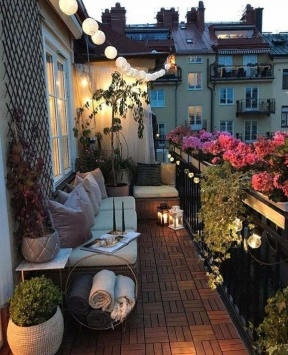 9+ Gorgeous Apartment Balcony Ideas With Perfect Lighting ...