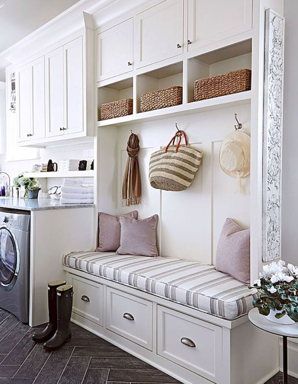9 Inspiring Rustic Small Mudroom Bench Ideas (With images ...