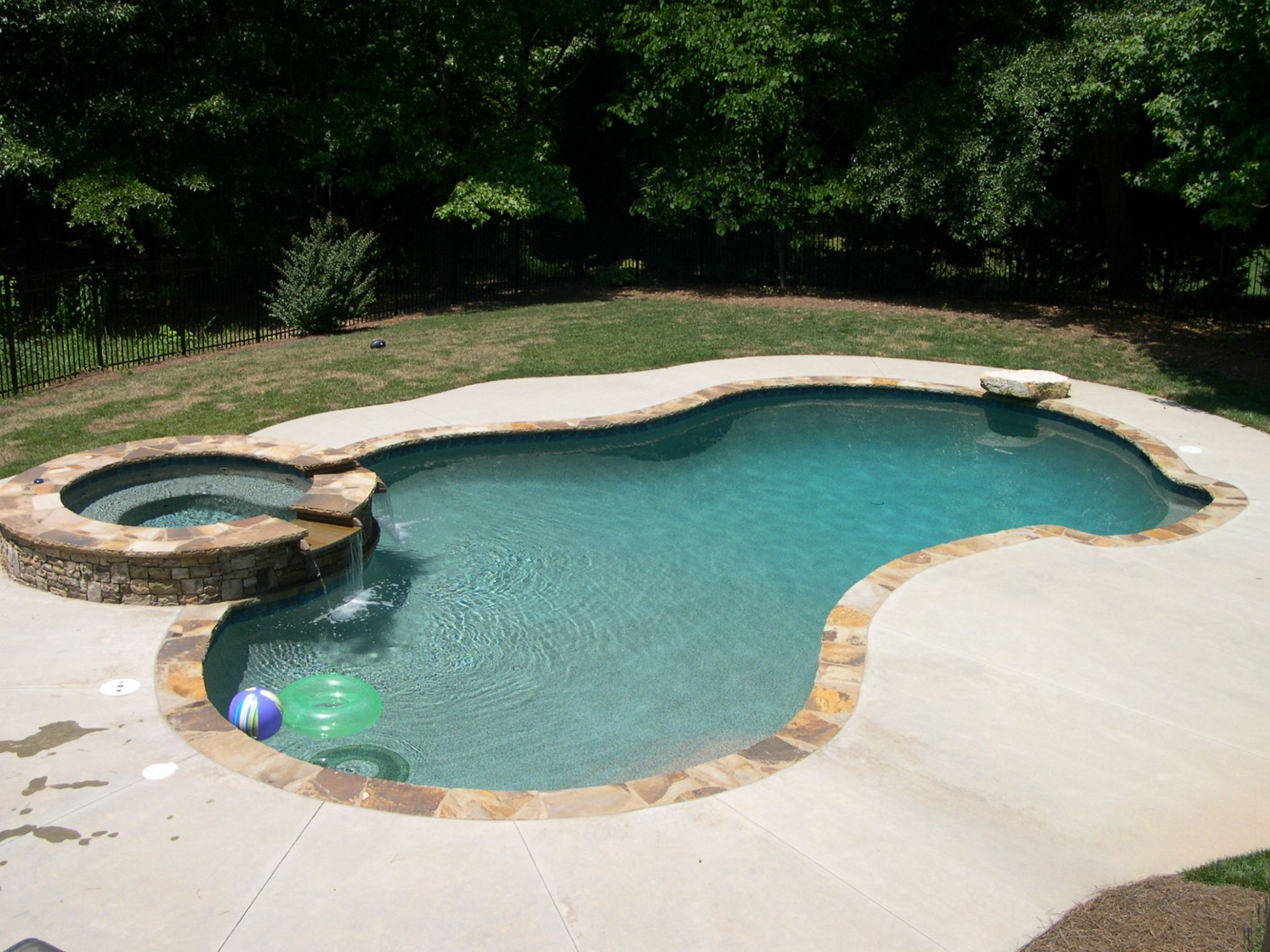 9 Jacuzzi Pools For Your Home - pool jacuzzi ideas
