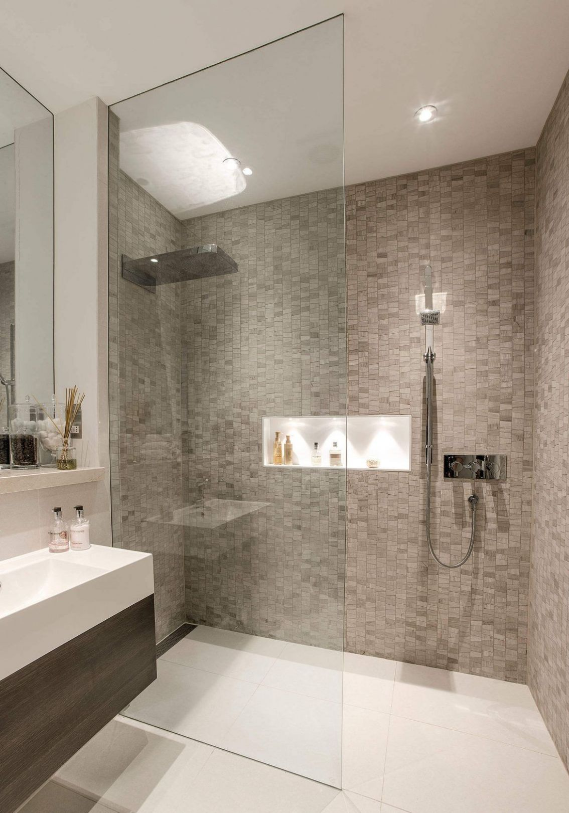 9 Modern Shower Tile Ideas and Designs for 9 (With images ..