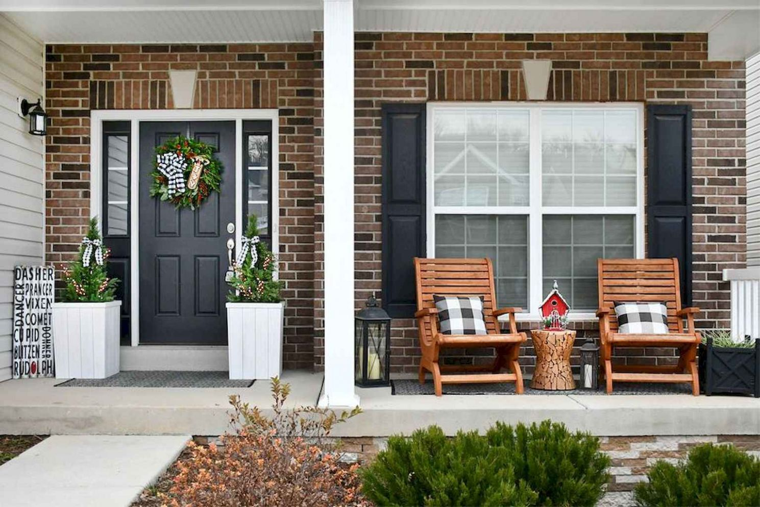 9 Rustic Farmhouse Front Porch Decorating Ideas - setyouroom