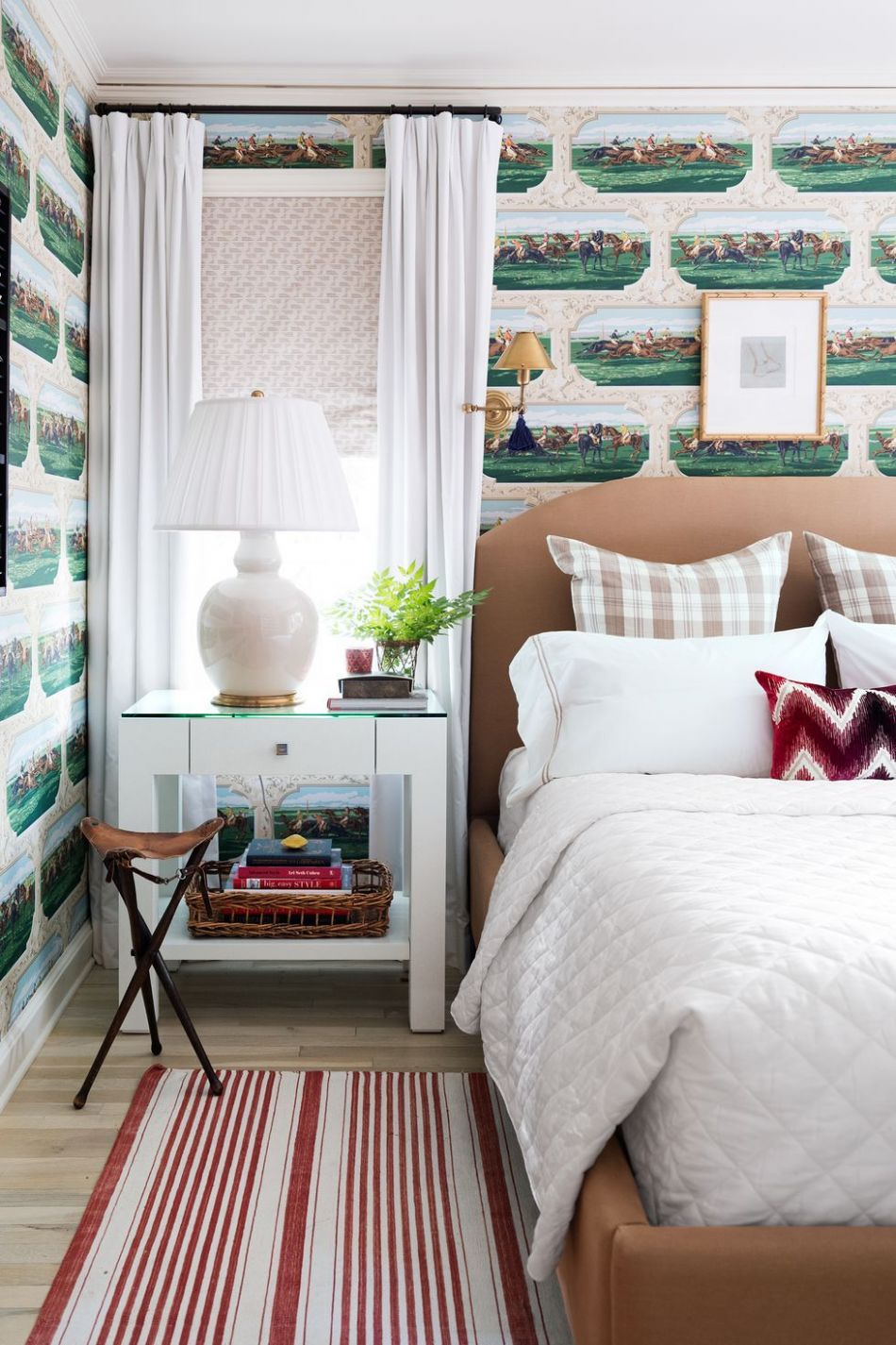 9 Small Bedroom Design Ideas - How to Decorate a Small Bedroom