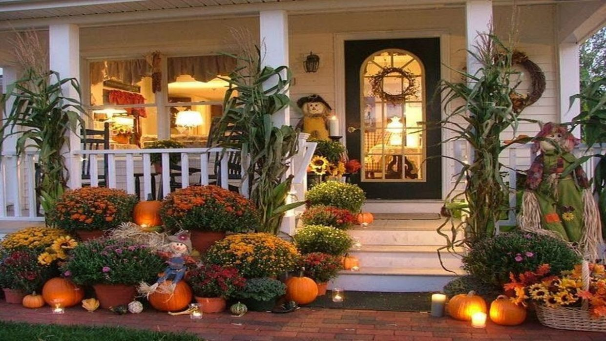9 Thanksgiving Front Porch Decorating Ideas 9 - front porch decor for thanksgiving