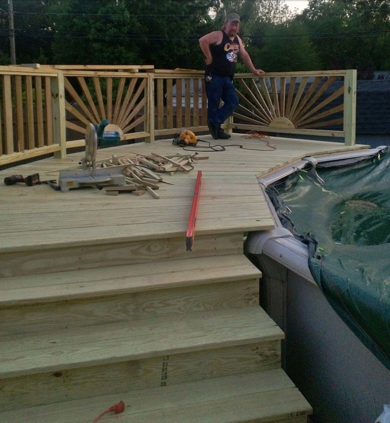 9s of Deck Railing Ideas and Designs (With images) | In ground ..