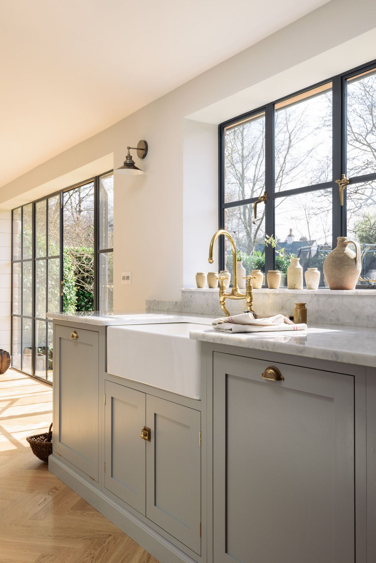 A classic combination; Carrara marble worktops, a beautiful big ...