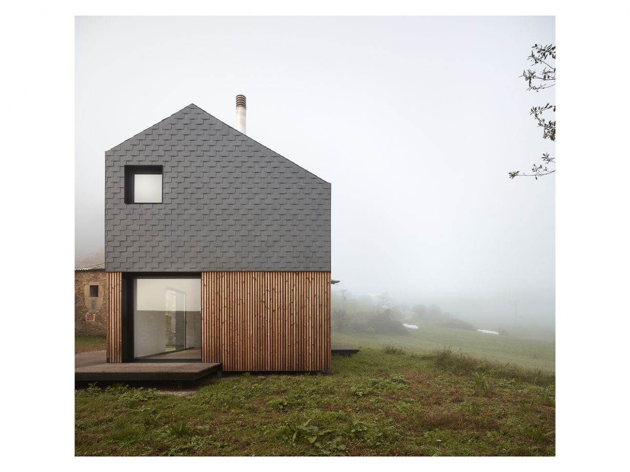 A prefabricated house in Spain assembled in 10 hours | Inspirationist - inspiration house hours
