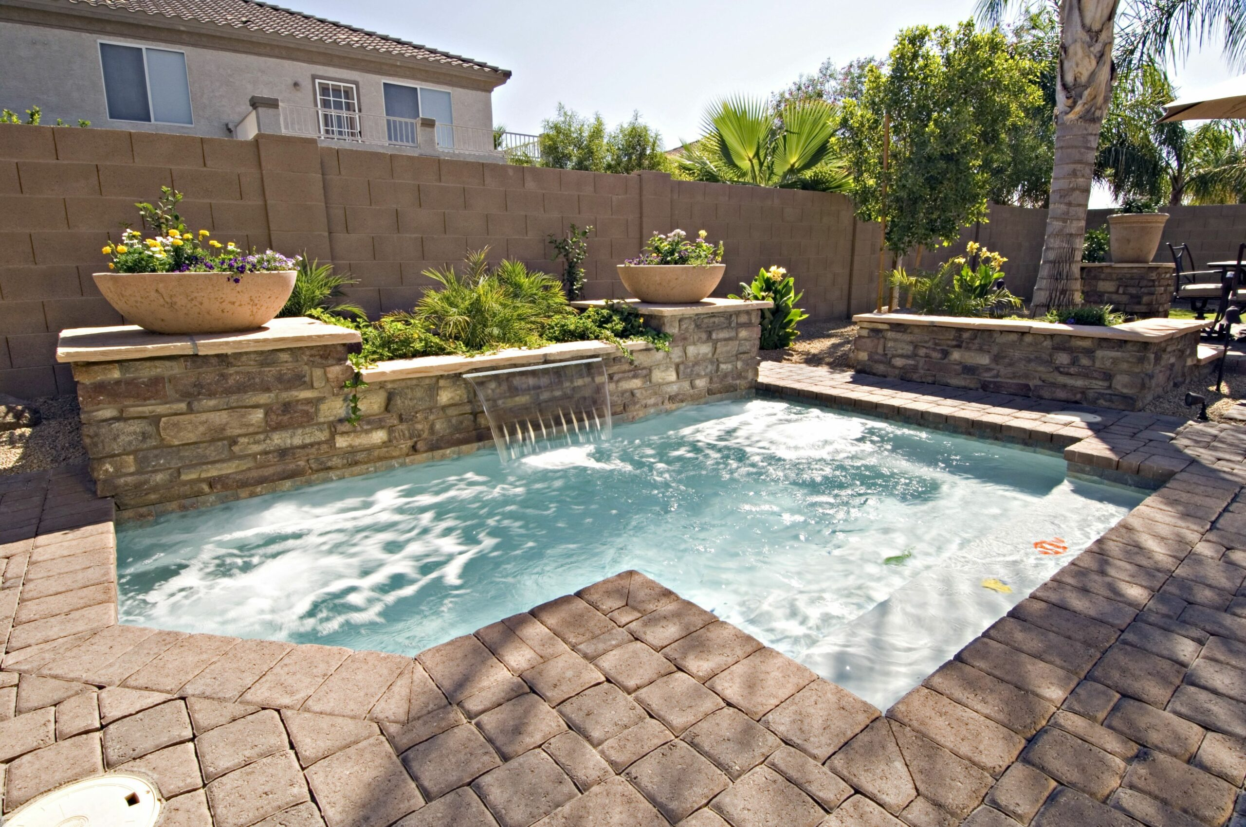 Amazing Small Backyard Jacuzzi Ideas (With images) | Small ..