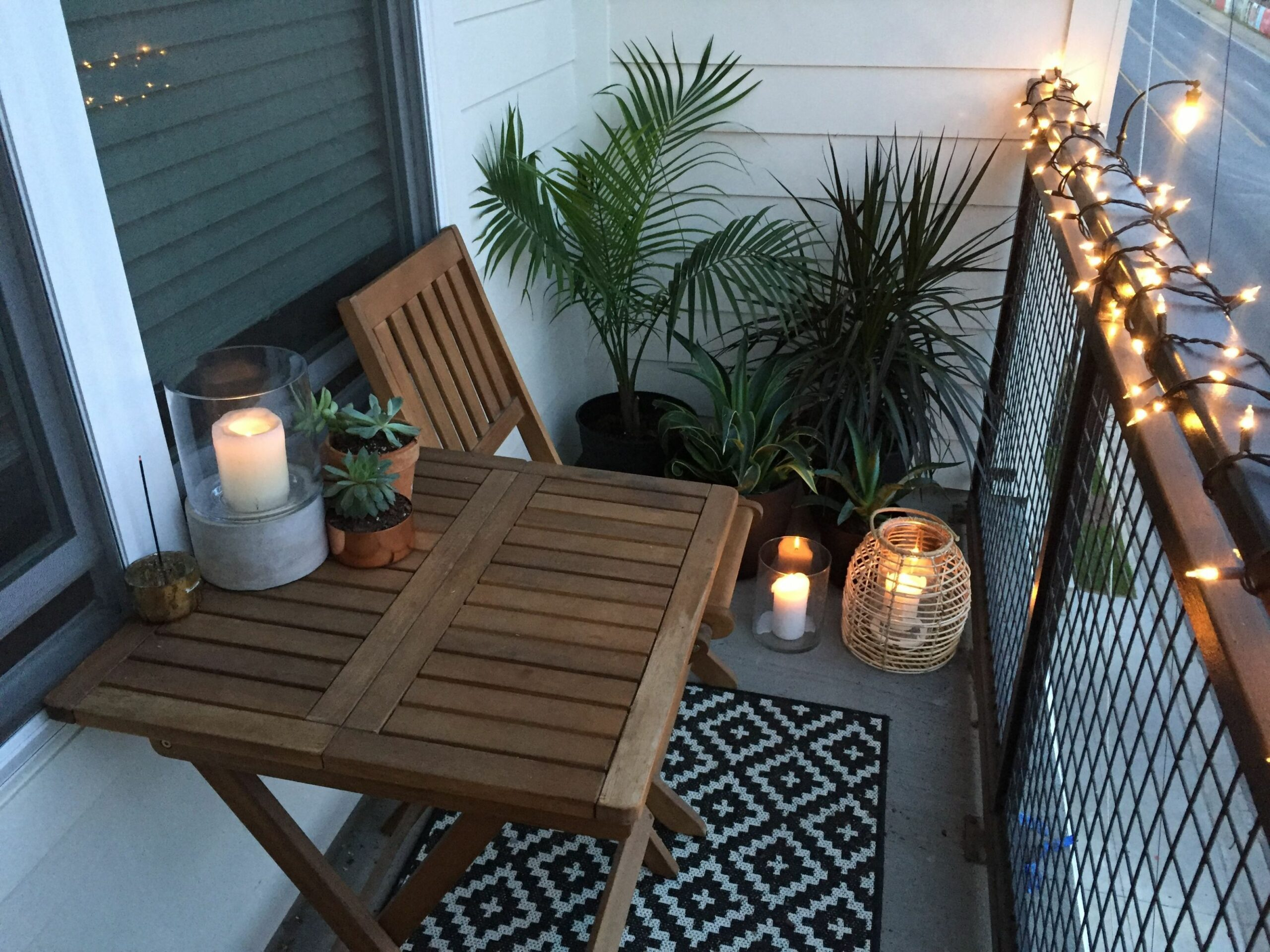 Apartment small balcony decor ideas and design. Balcony garden ...