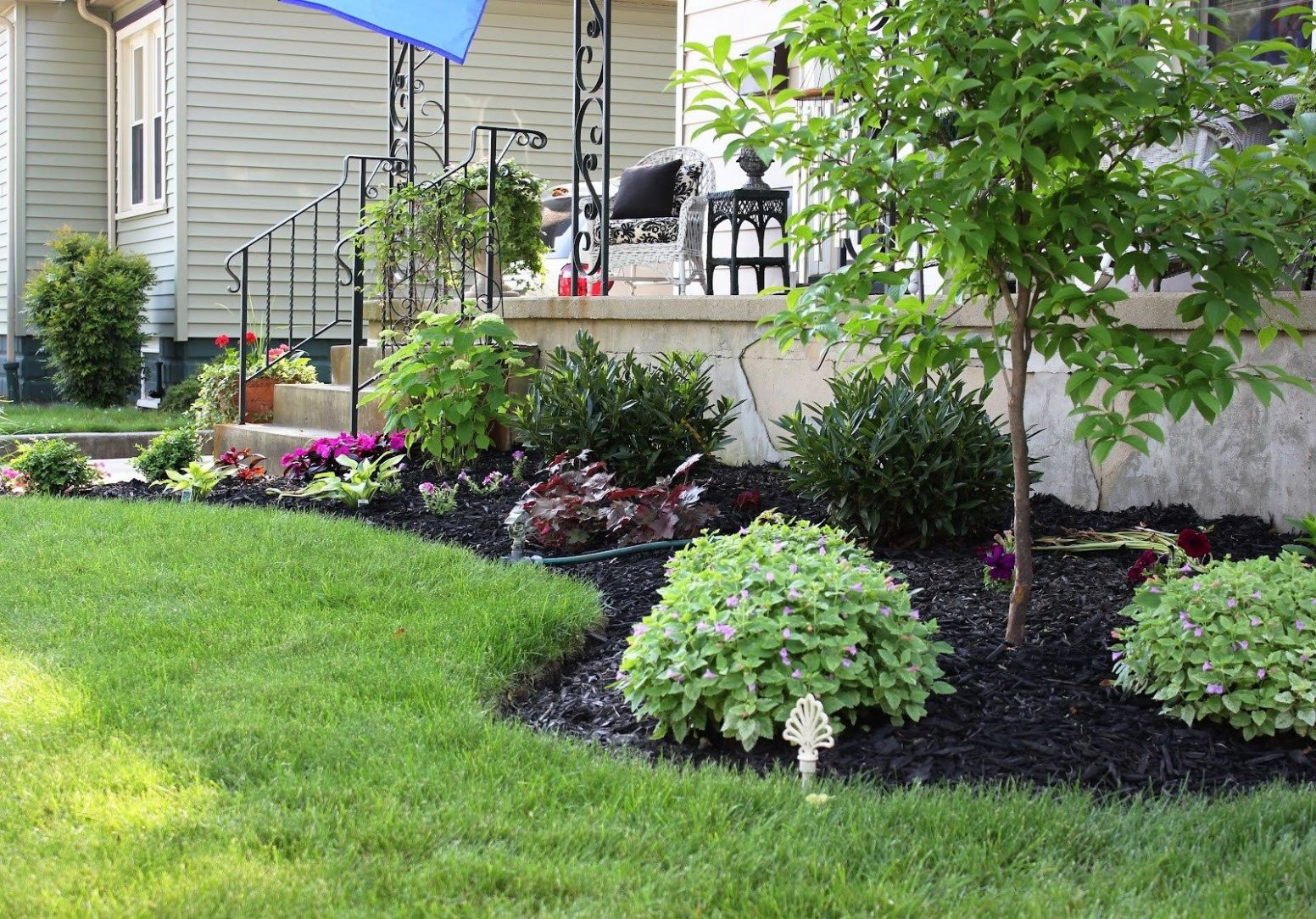 Awesome Garden Ideas For Front Of House Ideas | Flower bed designs ..