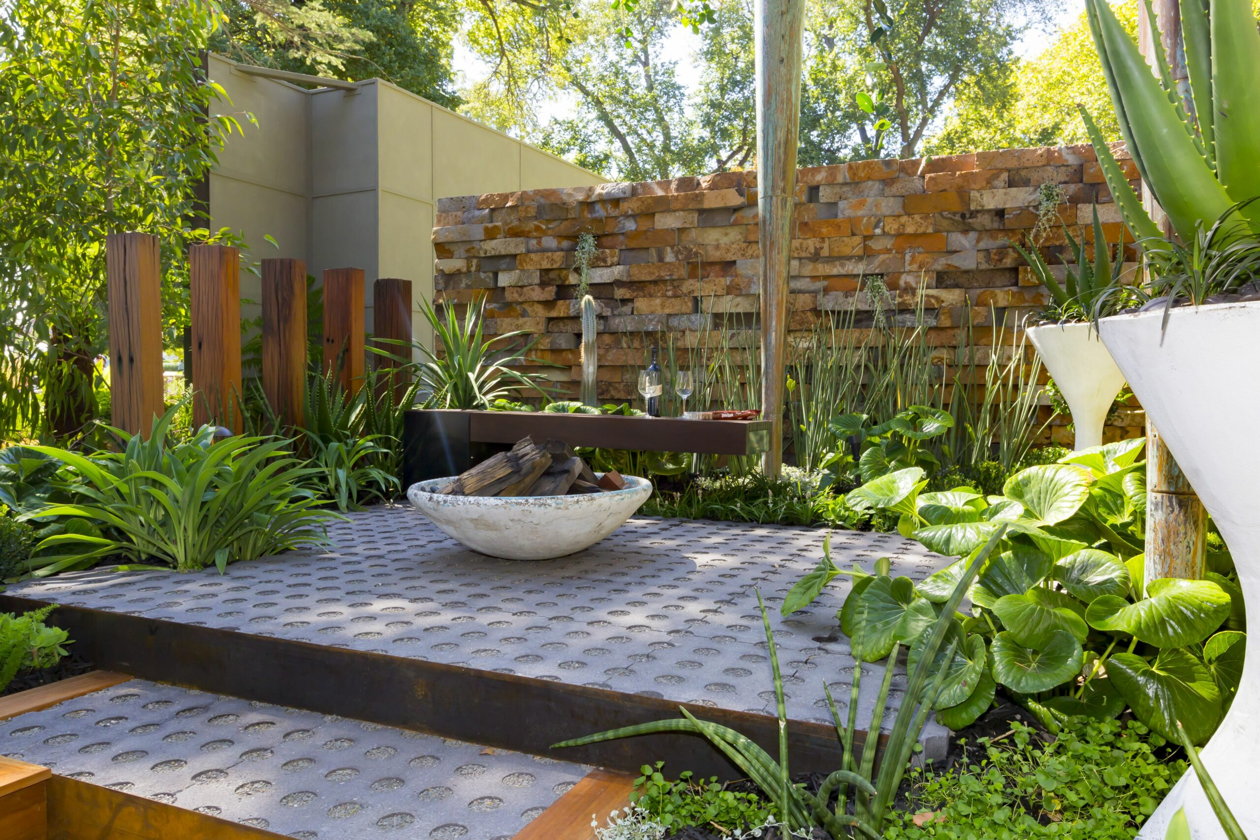 Backyard ideas: 12 reno projects to get it summer-ready - The ..