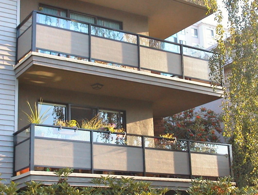 Balcony Railing Privacy Covers Types Ideas The Important Apartment ..