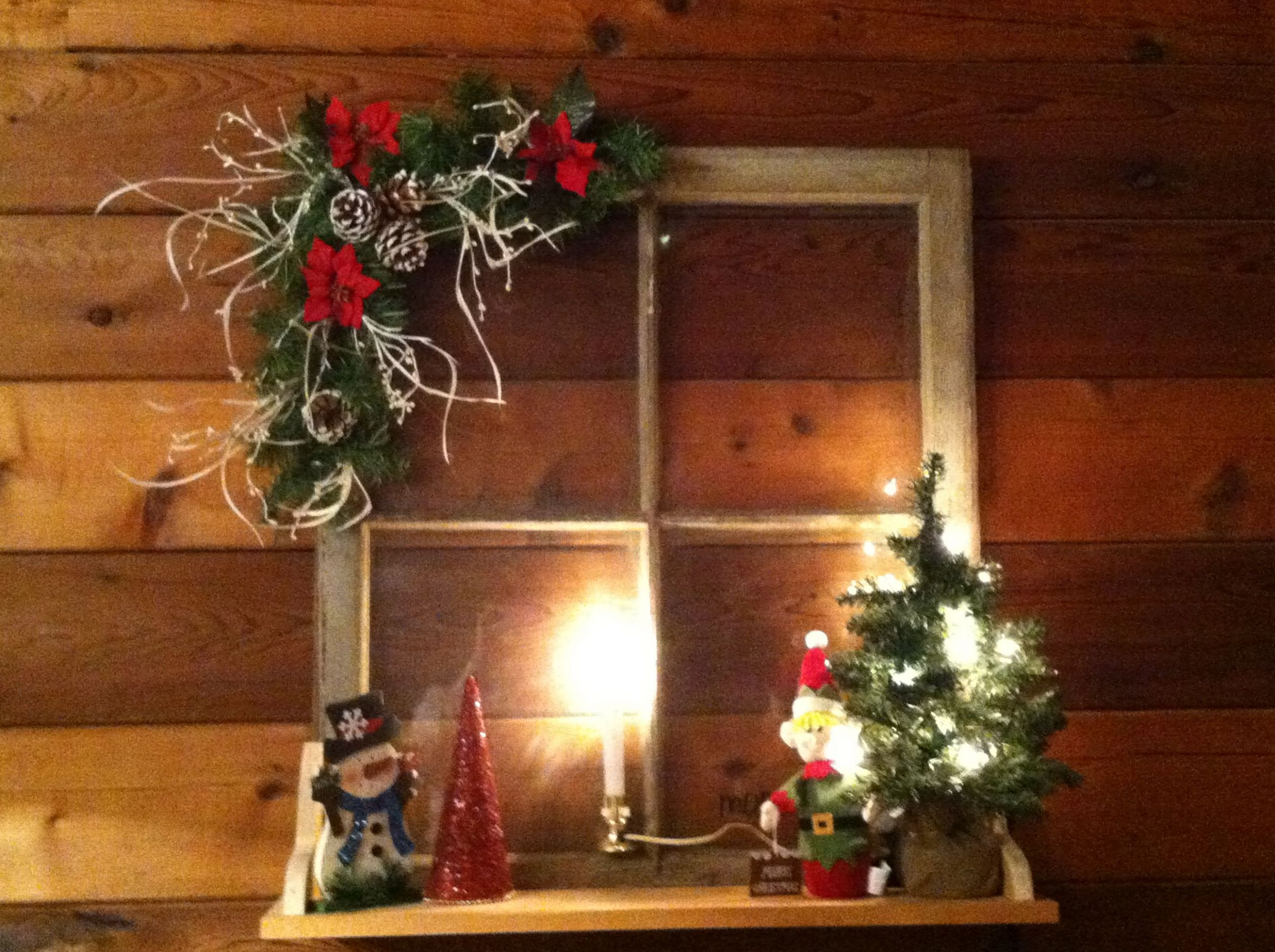 bay window christmas decorating ideas | Old windows for Christmas ..