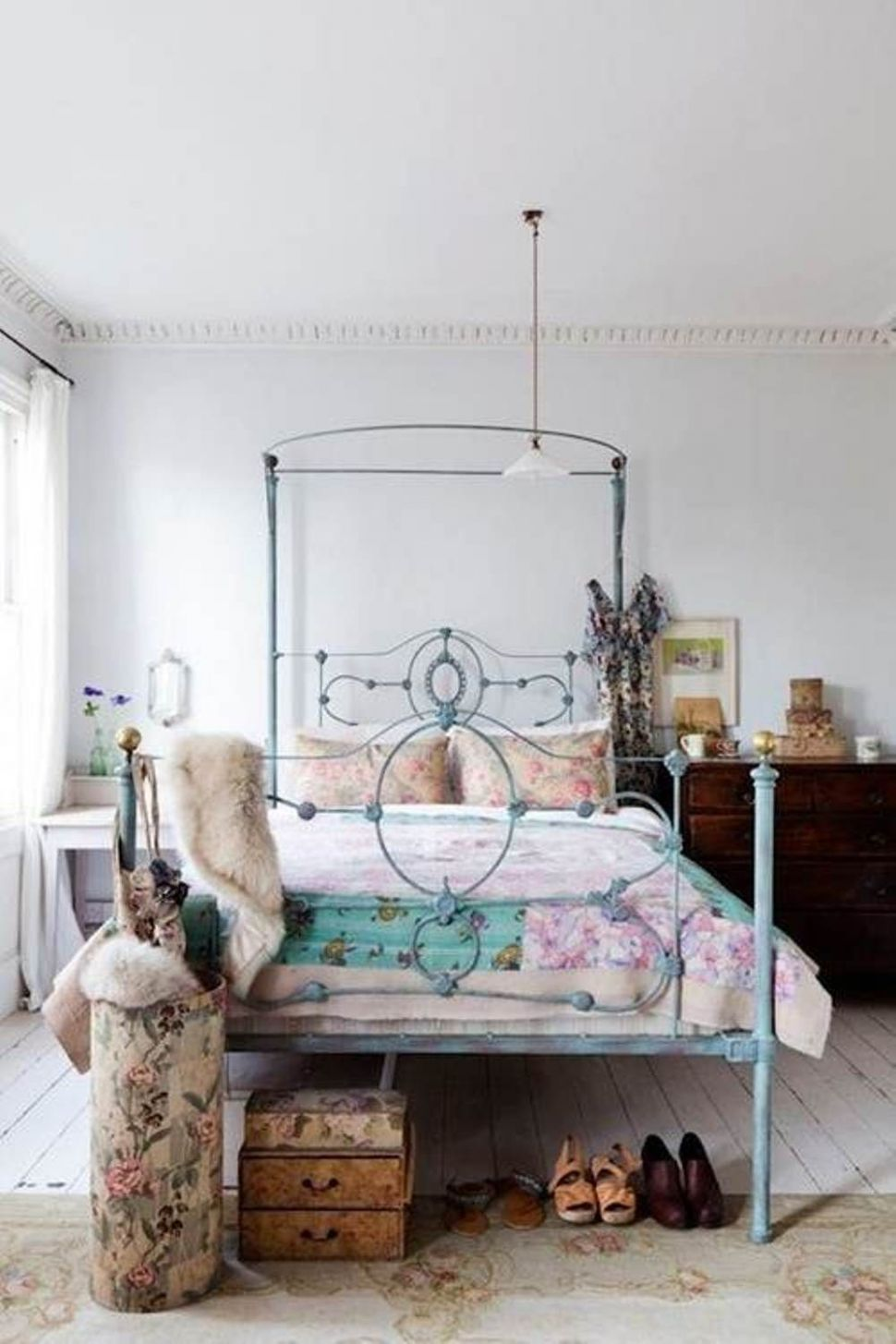 Beautiful Apartment Bedroom Ideas For Women With Artistic Eclectic ..