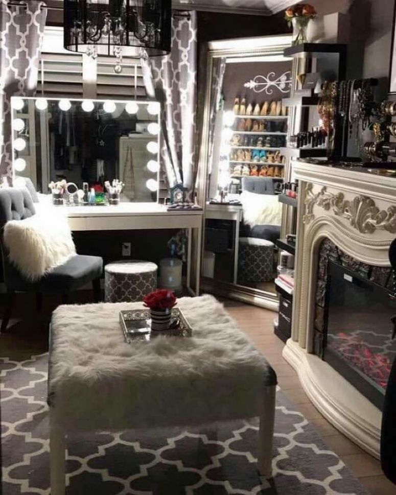 Beautiful small closet room with hollywood glam style vanity ...