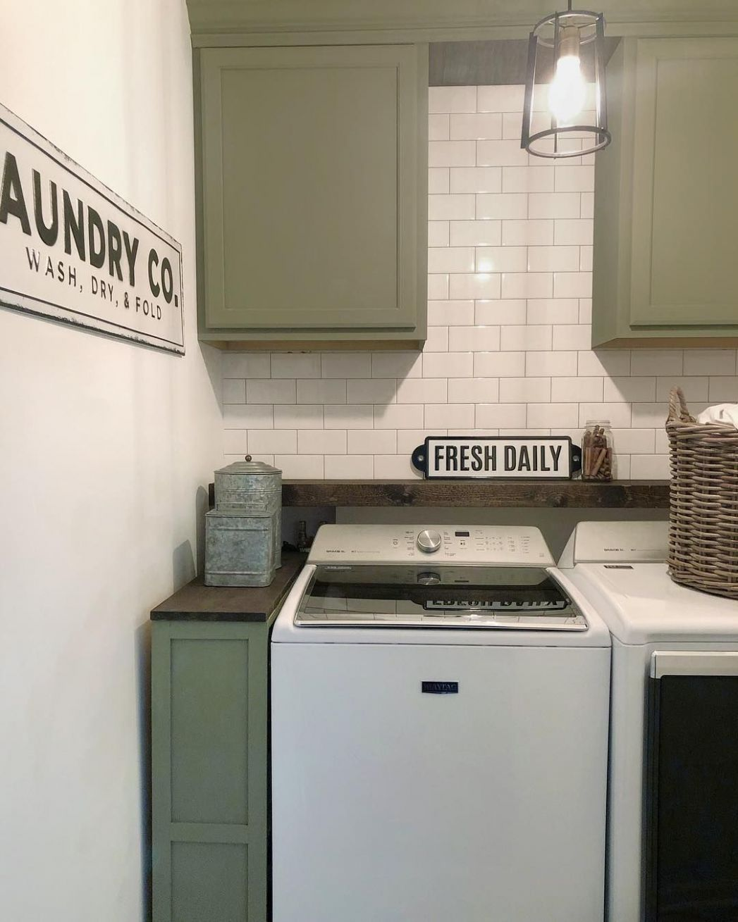 Beautiful small laundry room ideas with top loading washer // If ..