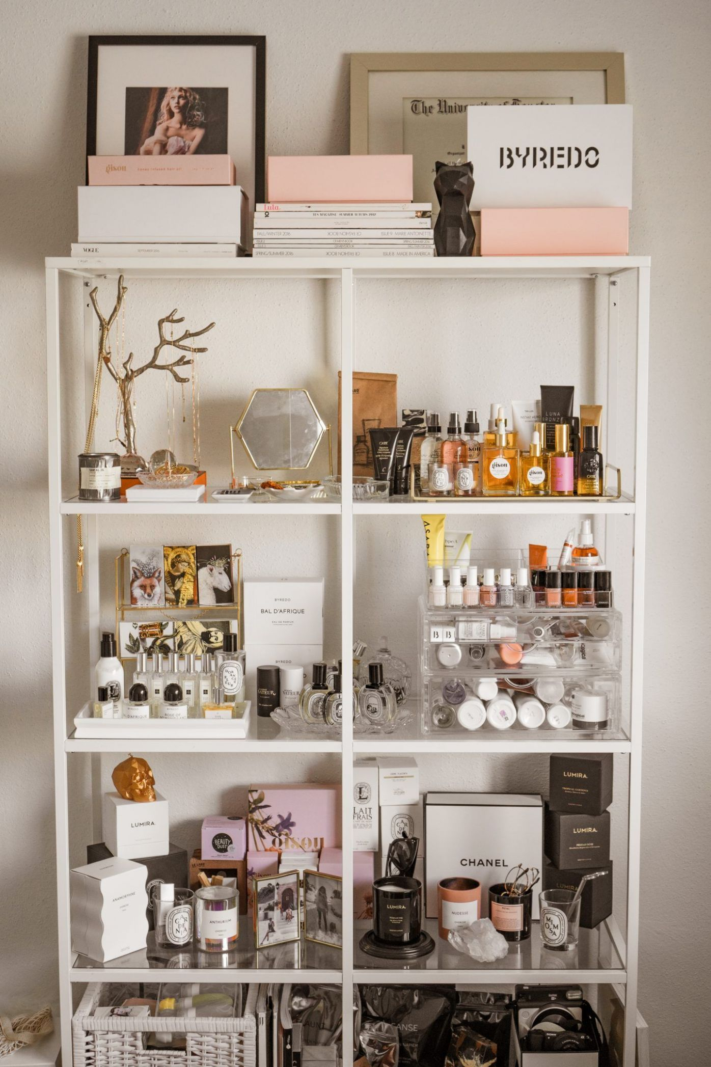 Beauty Storage makeup organizer skincare organizer top shelfie ..