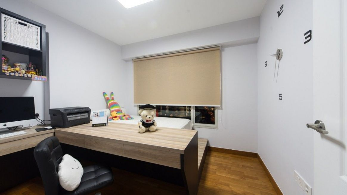 Bedroom of 10 room HDB BTO flat at Blk 10C Punggol Drive (With ..