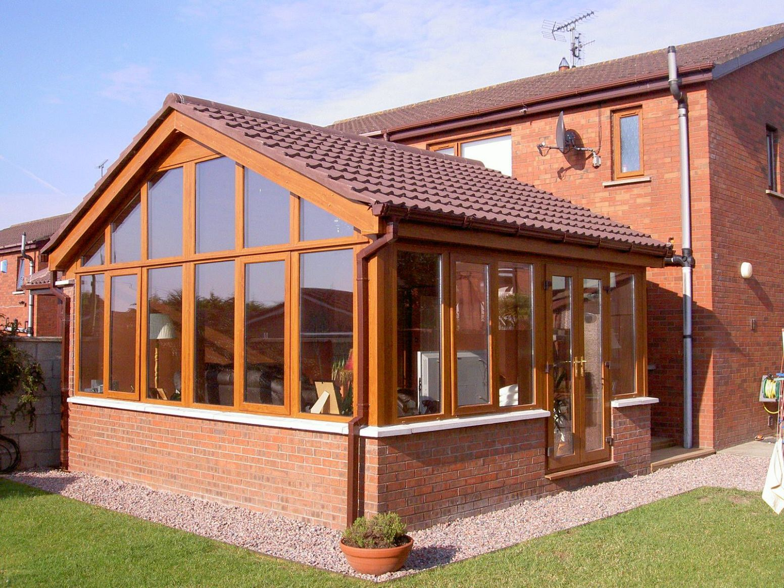 Bespoke Sunrooms in Scotland (With images)   Sunroom designs ..