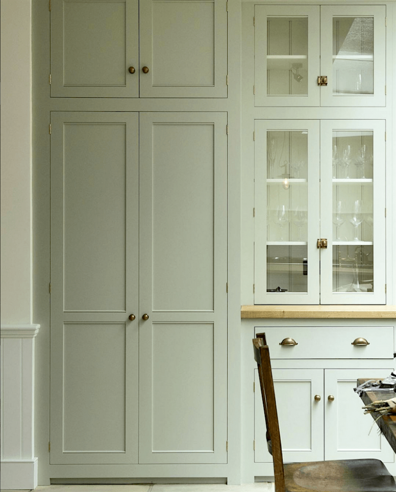 Breathtakingly Beautiful Classic Kitchens That Are Not White ...