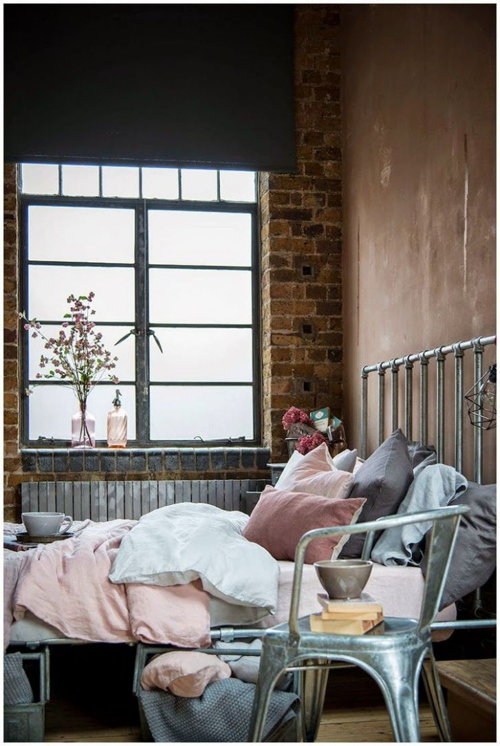 Chic feminine warehouse home (Daily Dream Decor) (With images ..