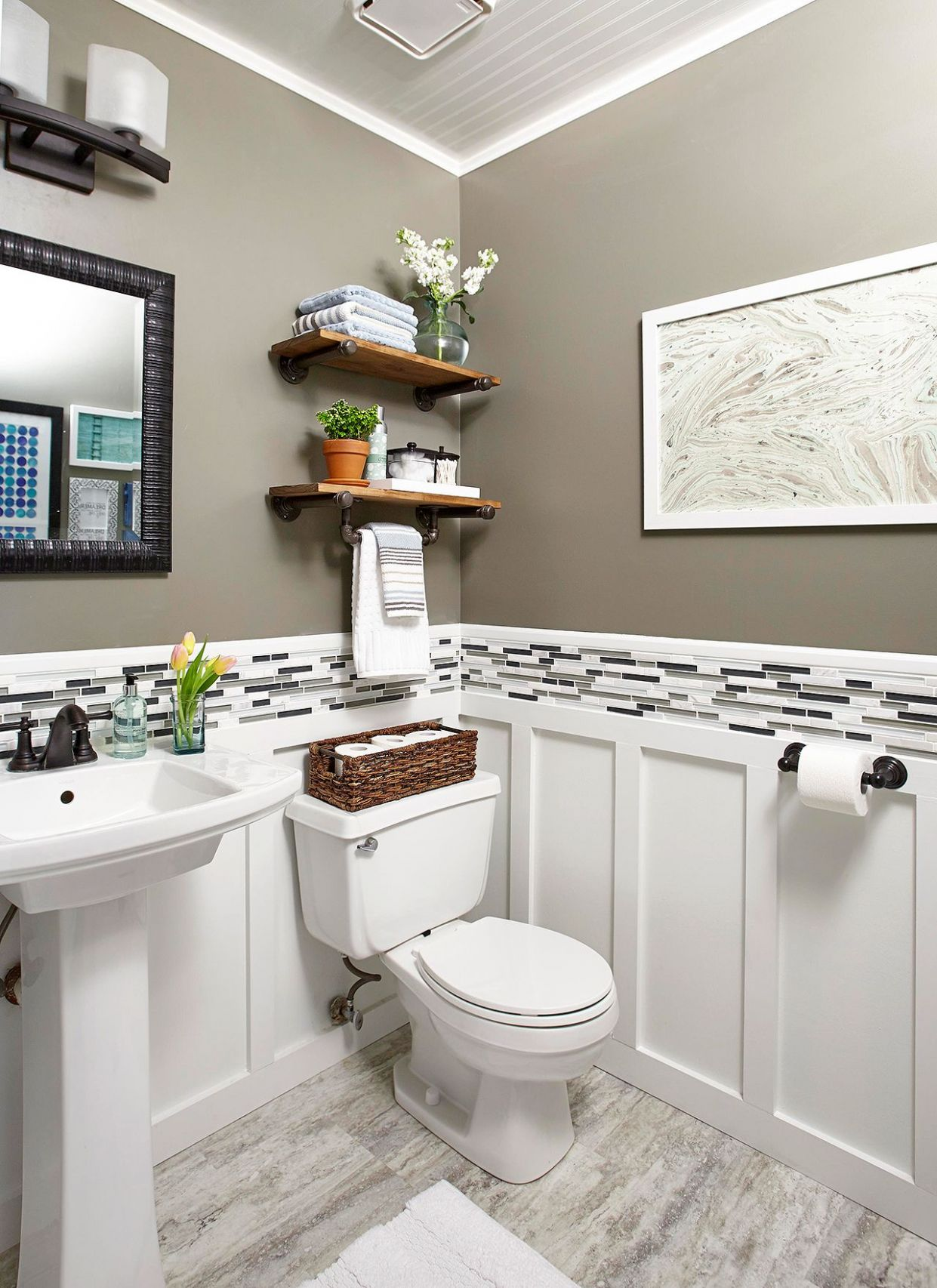 Clever Ways to Make the Most of Your Half Bath   Small half ..