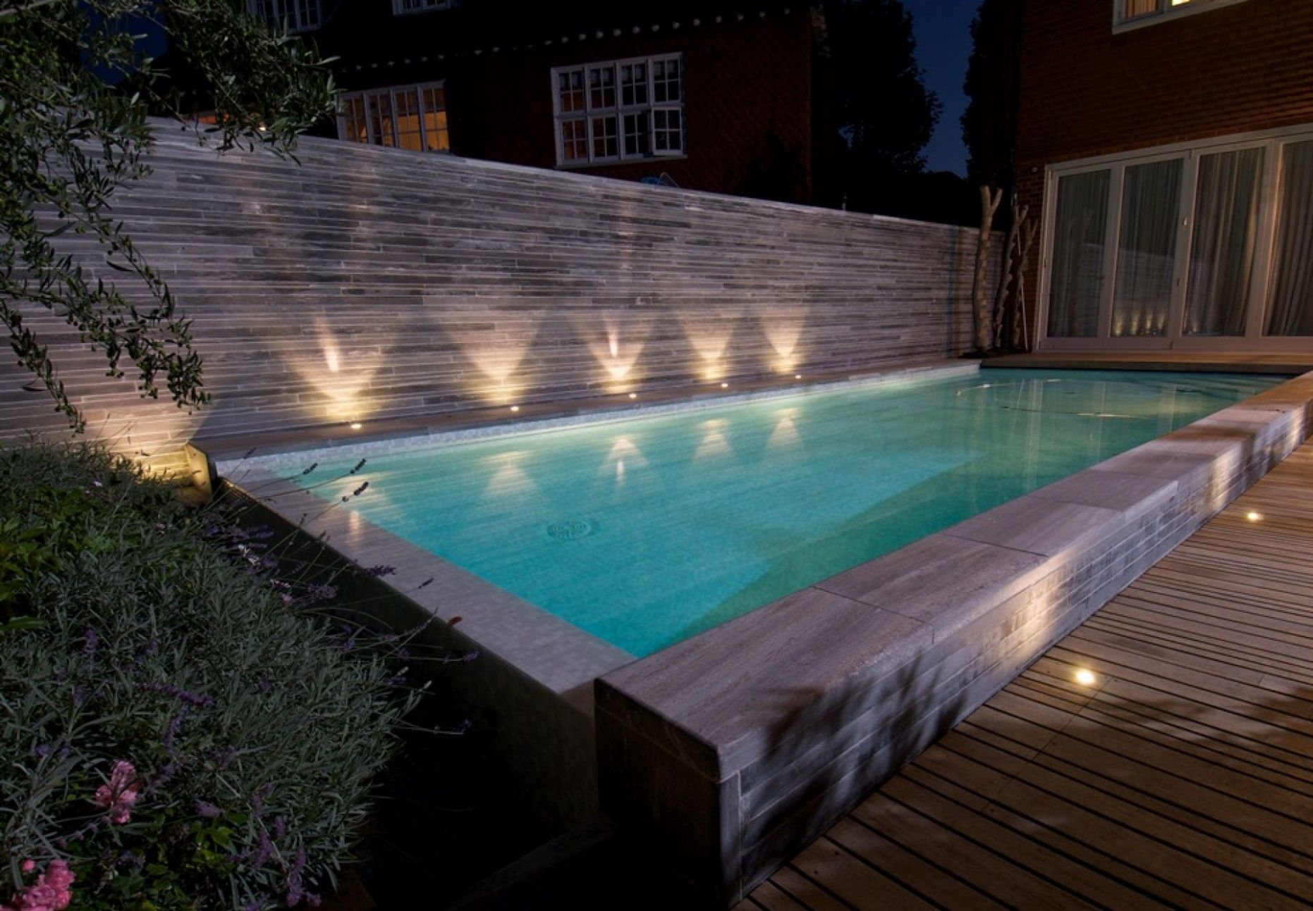 com (With images) | Swimming pools backyard, Swimming pool lights ..