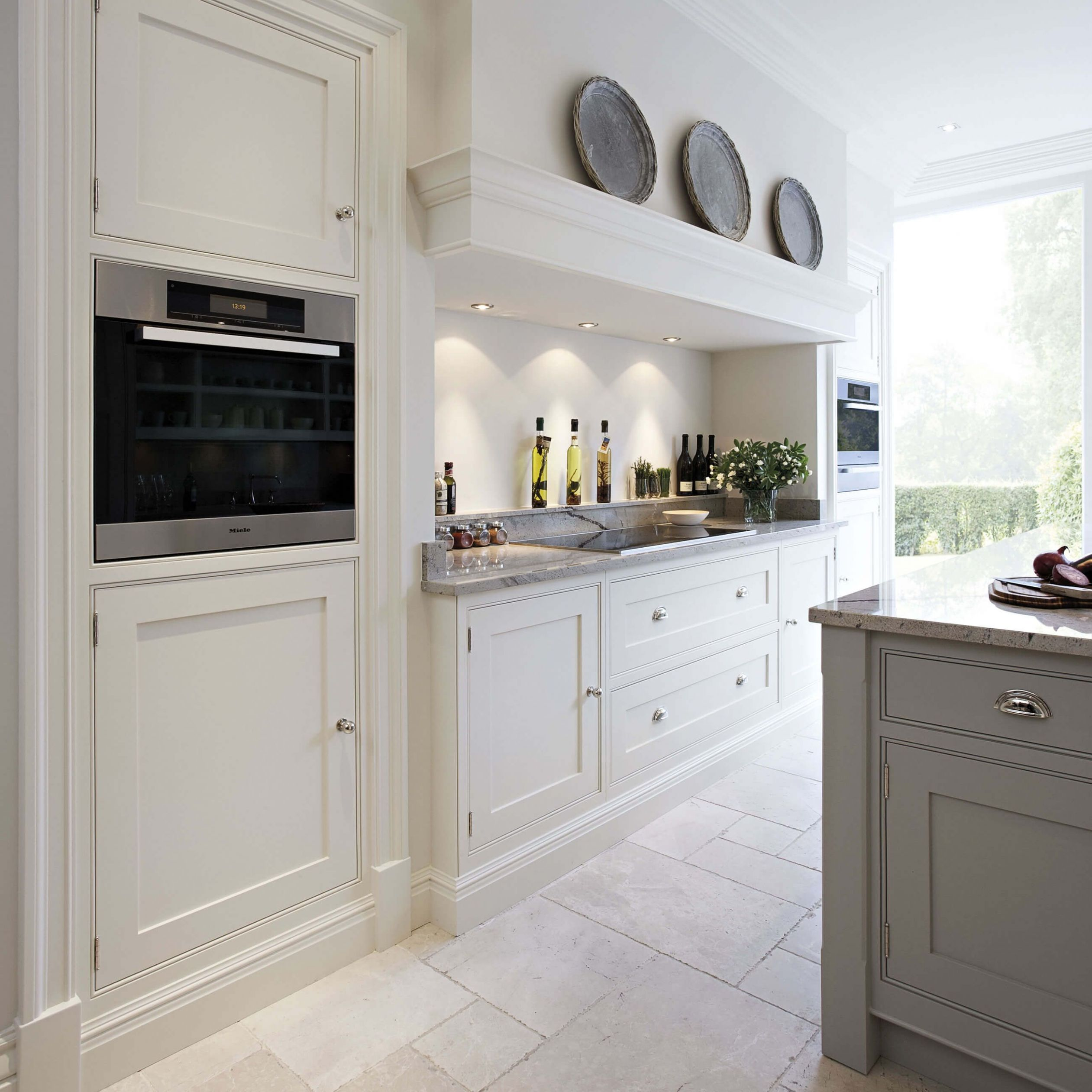 Contemporary Shaker Kitchen (With images) | Modern shaker kitchen ...
