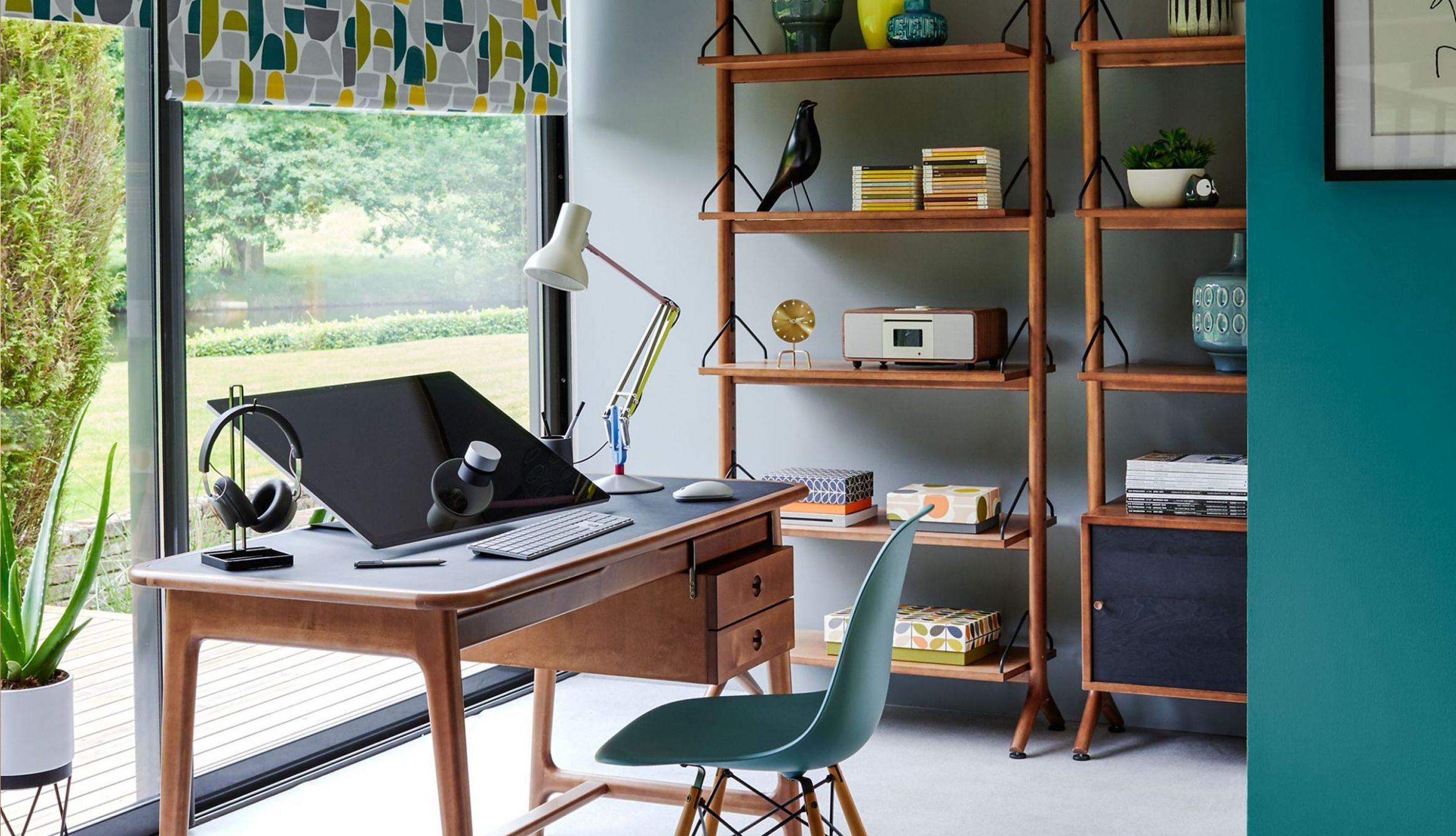Create an inspiring area to work with sleek office desks and ..