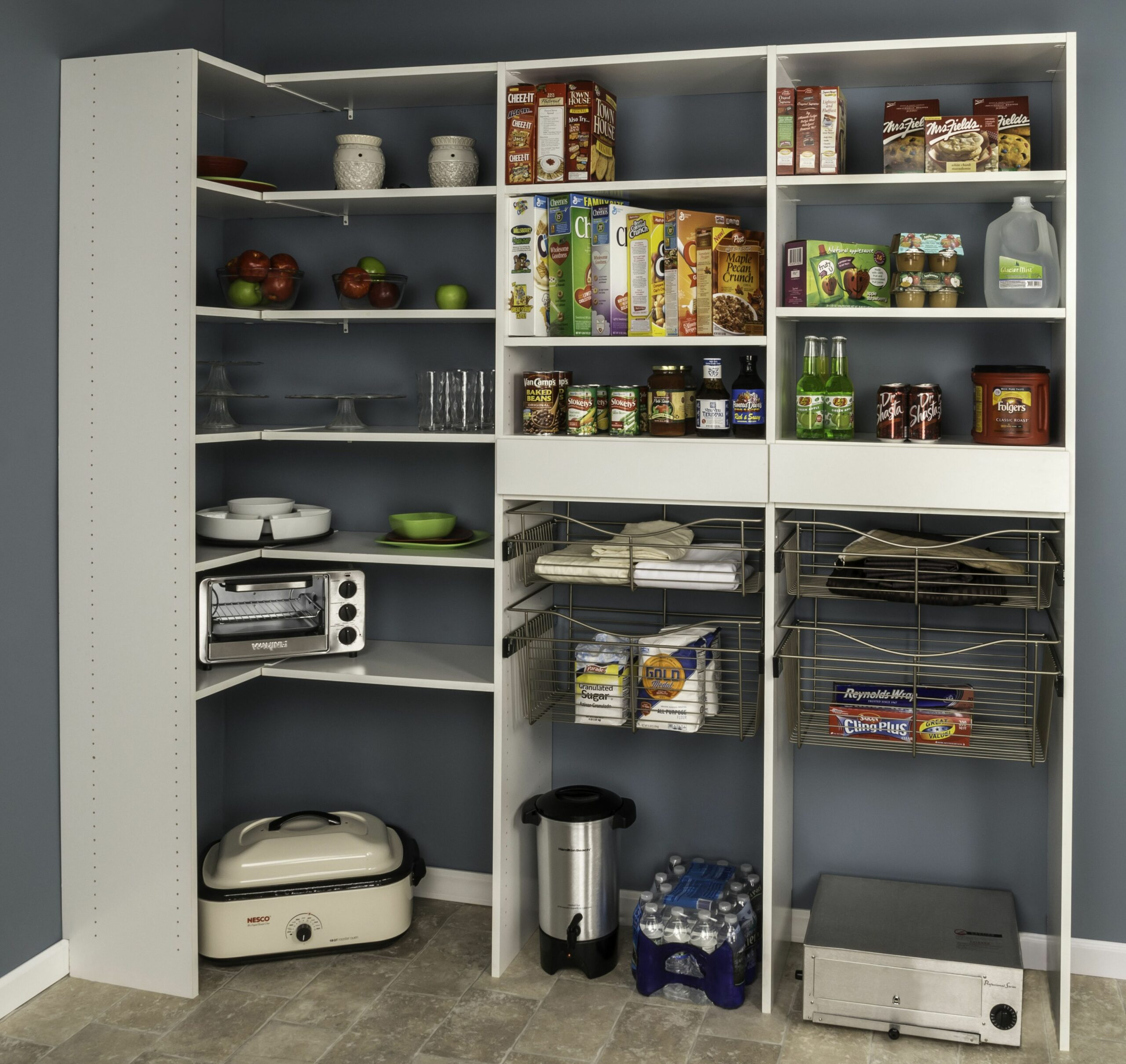 Dakota™ shelving offers thousands of shelving possibilities. This ...