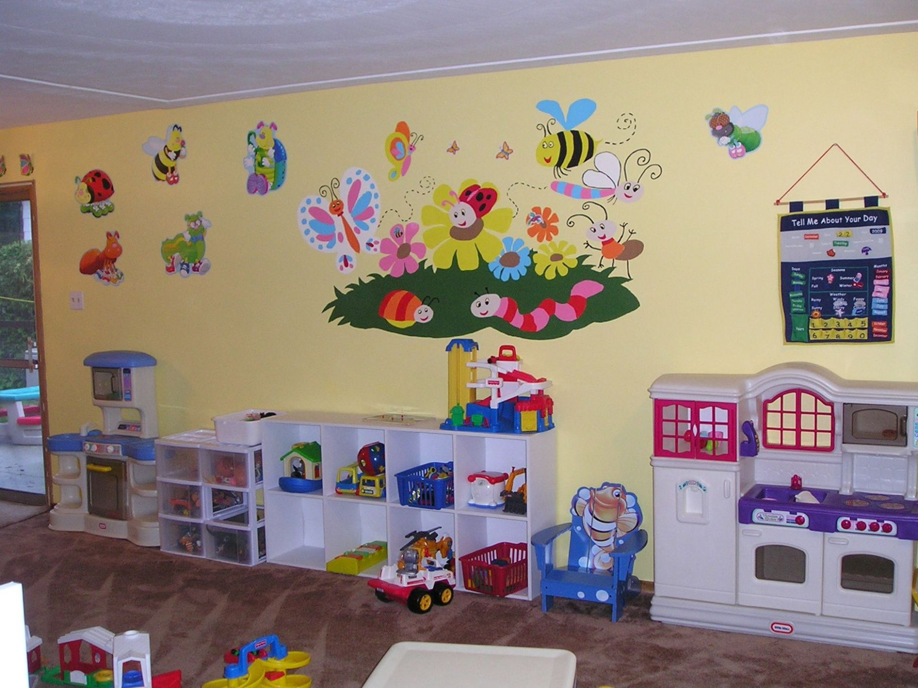 Decorating ideas for daycare rooms (With images) | Daycare decor