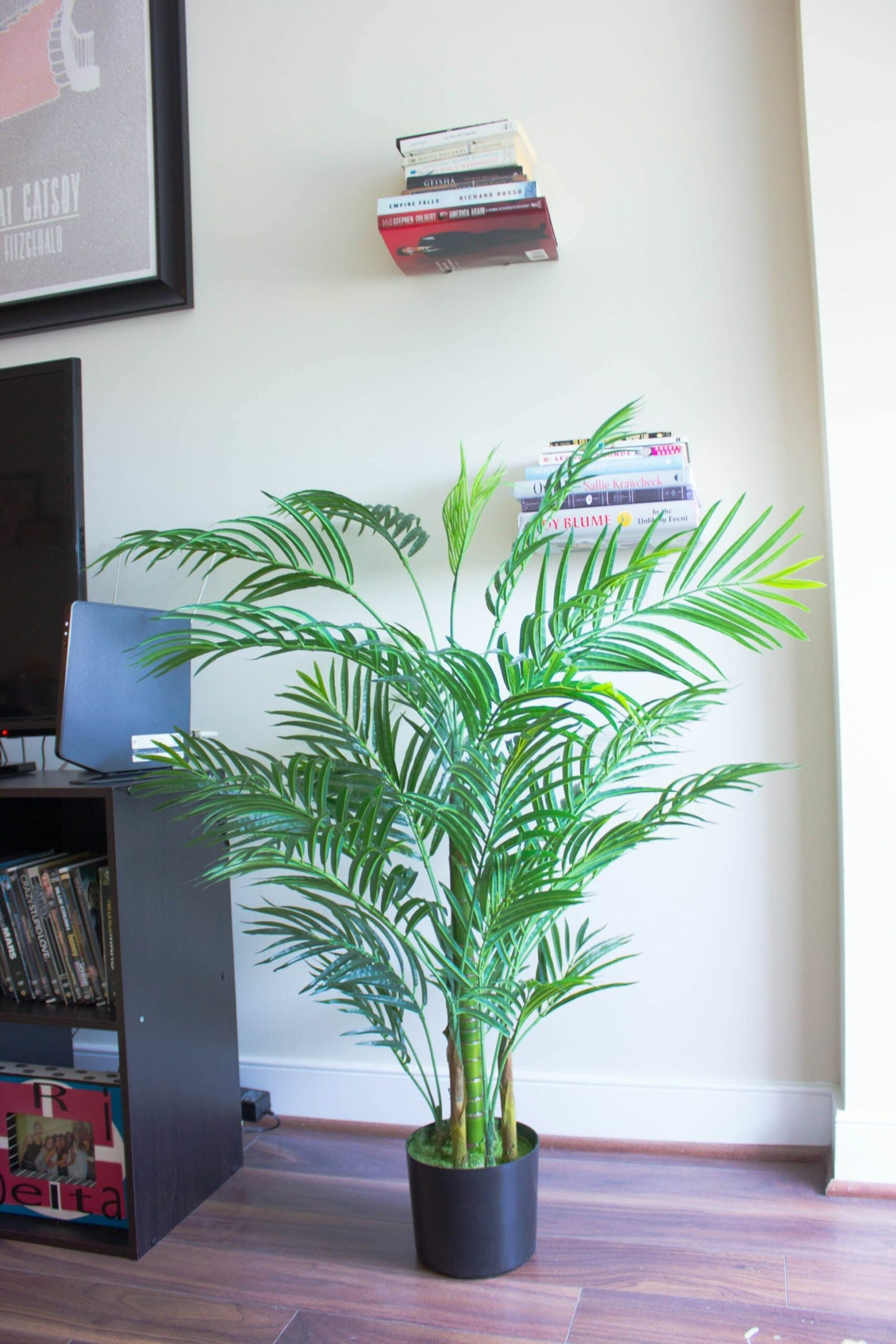 Decorating My Apartment with Faux Indoor Plants (With images ...