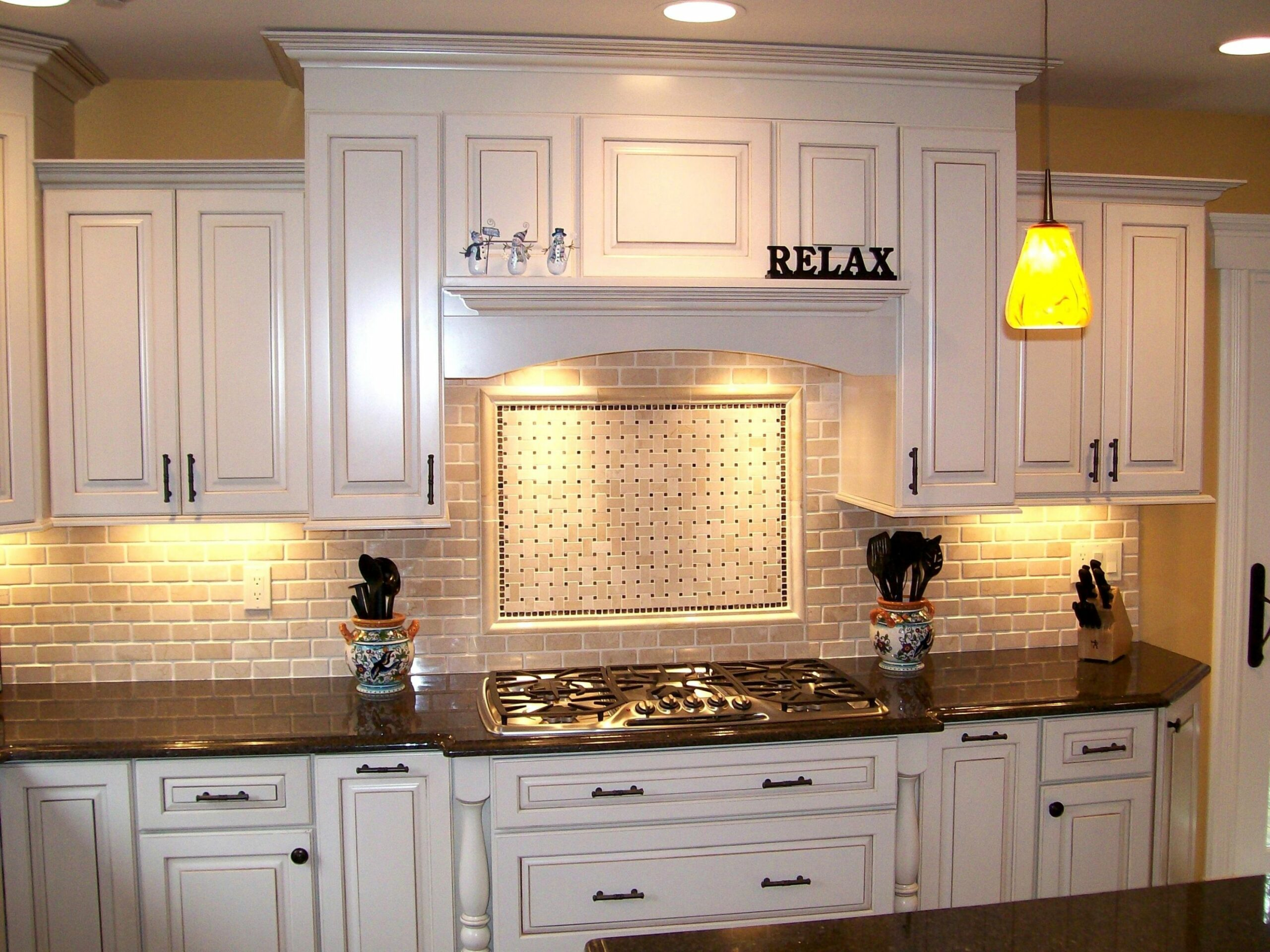 Delightful Backsplash Quartz Countertop Ideas Ps With White ..