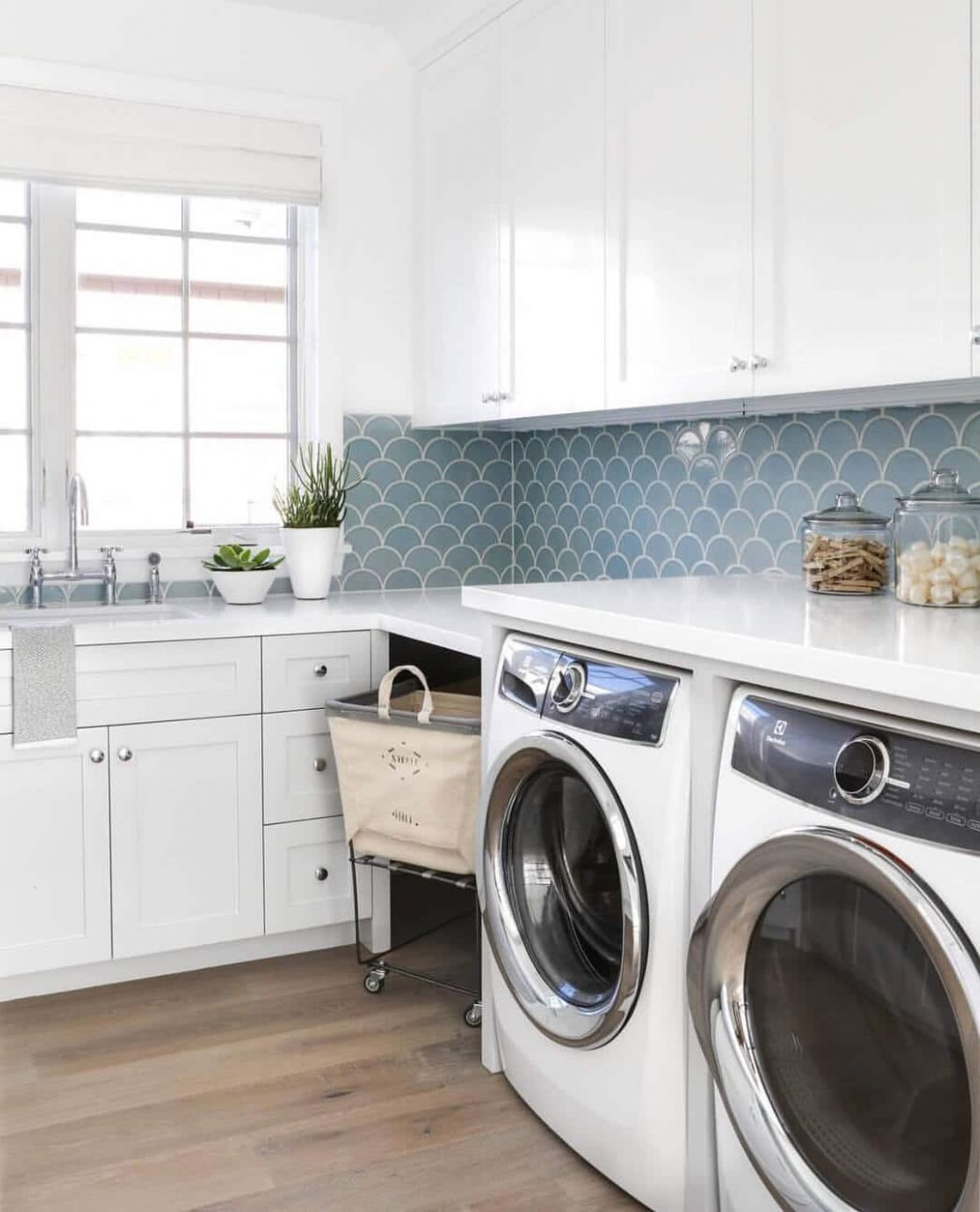 Design Guide: The Ultimate Laundry Room - CR   Construction Resources - laundry room countertop ideas