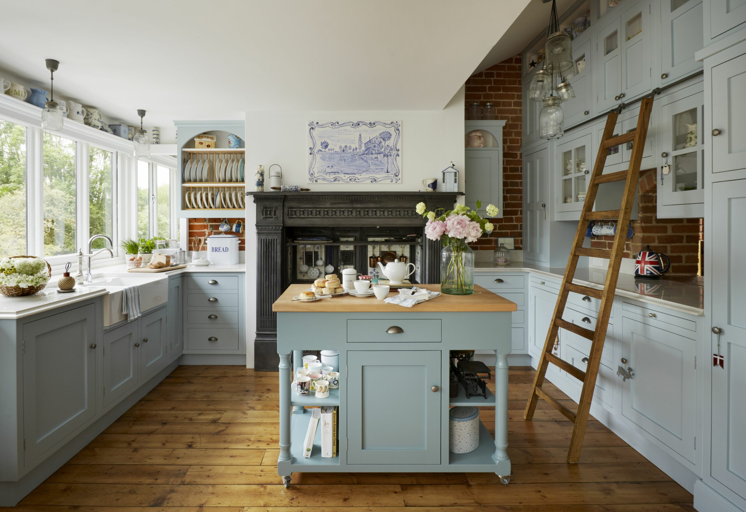 Designing a farmhouse kitchen: 8 ideas that are brimming with ..