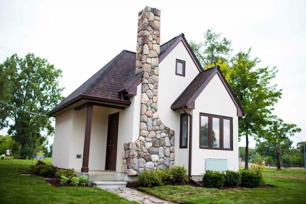 Detroit tiny home neighborhood lets the homeless rent to own ...